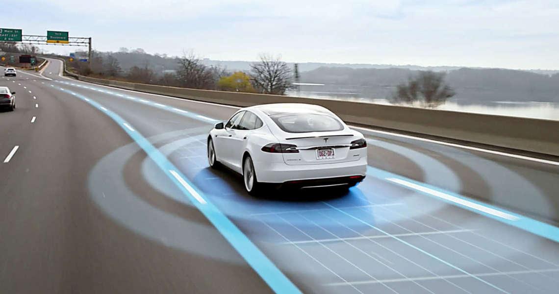 Tesla lancia l'upgrade all'hardware 3.0