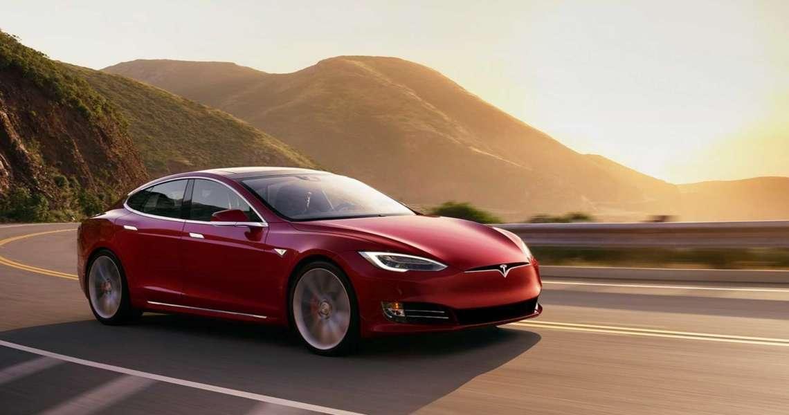 Tesla sconta tutti i modelli